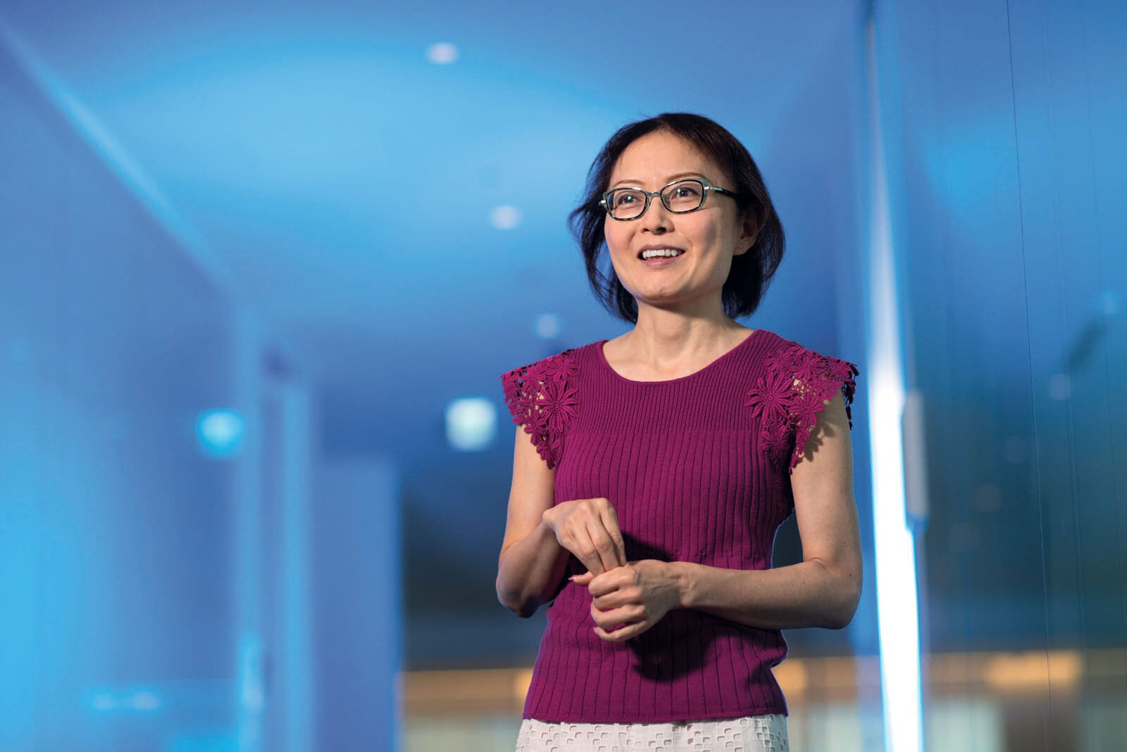 Portrait of Kaori Osawa as she shares how her story of surviving breast cancer helps her to inspire her patients to face their own battles with cancer featured inRoche Diagram healthcare magazine publications